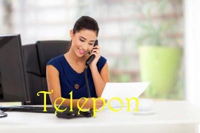 Menggunakan Telepon
