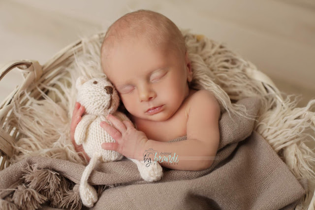 newborn boy photograph burlington iowa photographer