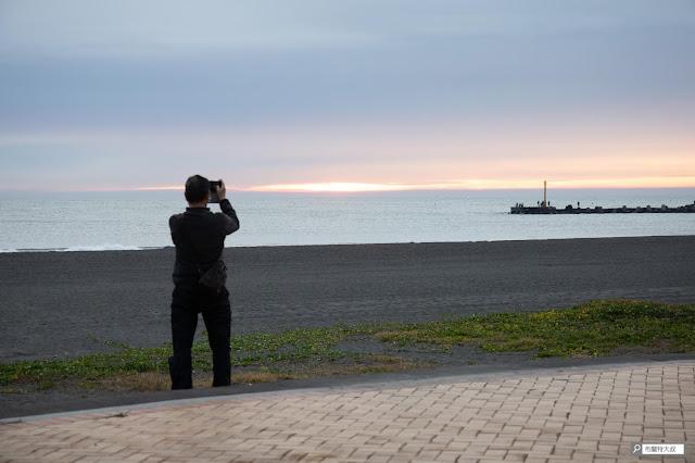 【大叔生活】2021 又是六天五夜的環島小筆記 (上卷) - 雖然屏東天氣還沒放晴,但能看到夕陽真是小確幸