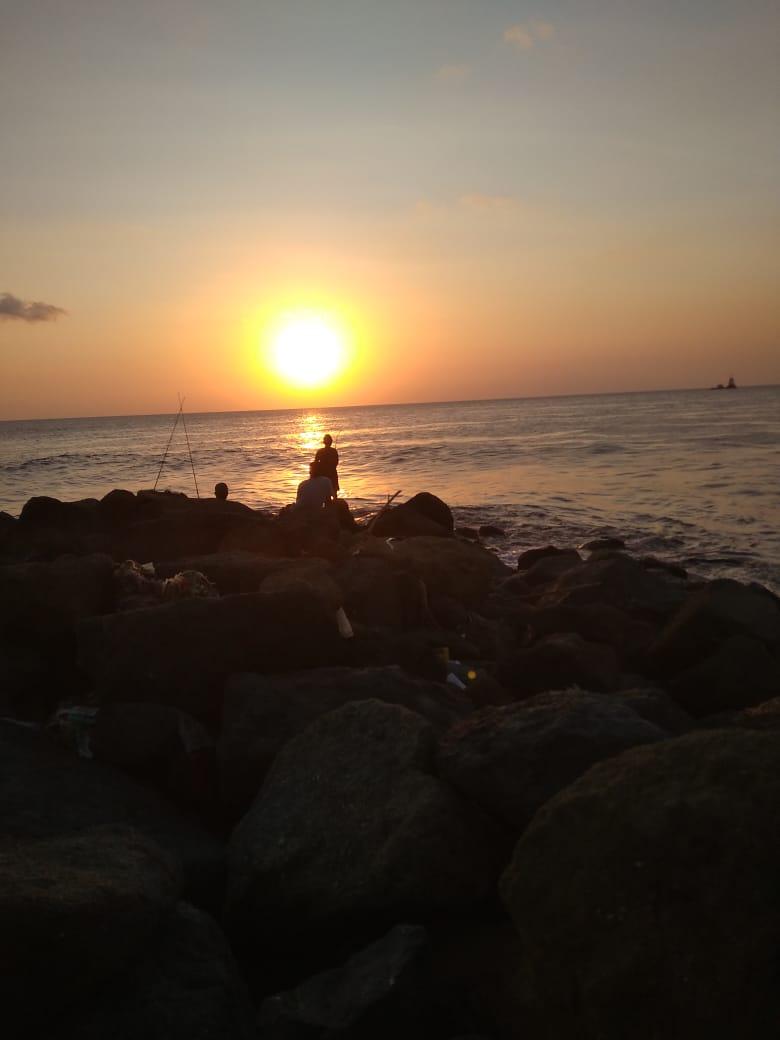 Pantai untuk senja hari
