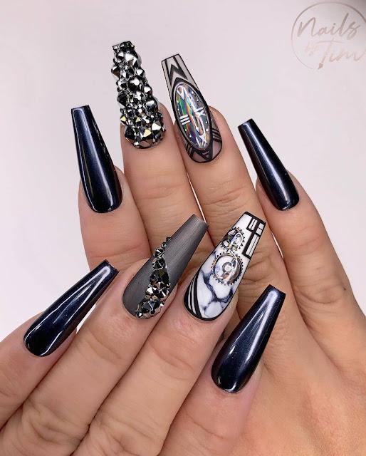 25 Beautiful Nail Designs for Fashion Divas