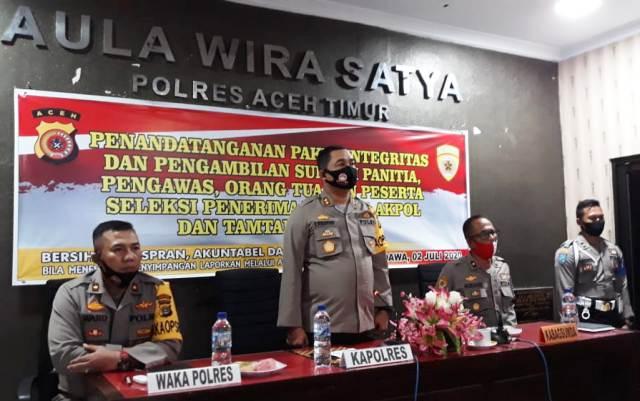 Kapolres  Aceh Timur Pimpin Acara Penandatanganan Pakta Integritas Penerimaan Taruna AKPOL dan Tamtama