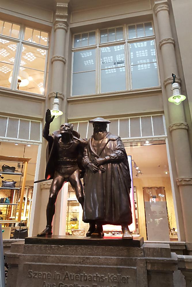 Visit Leipzig! Ein Wochenende in Leipzig – eine Symphonie in Gold. Oder auch: Liebeserklärung an eine Stadt, Teil 1 | Arthurs Tochter kocht. von Astrid Paul