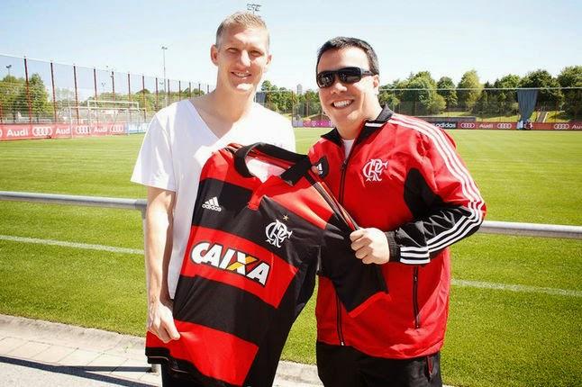 Jogador da seleção alemã também divulga nova camisa do Flamengo ~ FutGestão c8d6c66172829