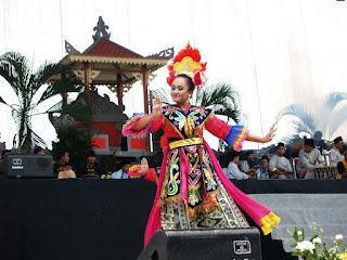 Keunikan-Kebudayaan-Adat-Istiadat-DKI-Jakarta