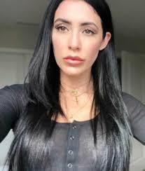 جوليا من العراق عزباء 32 سنة تبحث عن علاقة تعارف