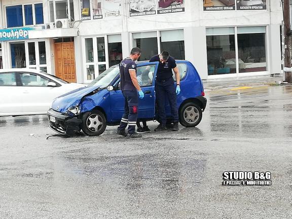 Σφοδρή σύγκρουση οχημάτων στο Ναύπλιο