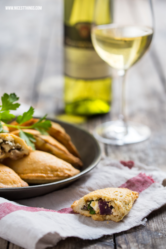 Empanadas Rezept vegetarisch mit Ziegenkäse zu badischem Wein #empanadas #vegetarisch