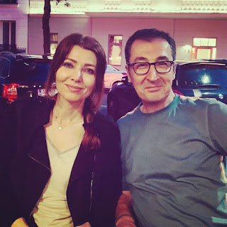 10 Minutes 38 Seconds in This Strange World by Elif Shafak on Nikhilbook with fan image 1