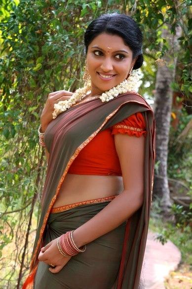 Hot Telugu Actress Half Saree