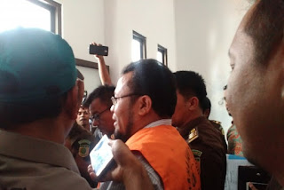 *kejati Aceh menahan mantan Wali Kota Sabang Zulkifli H Adam*