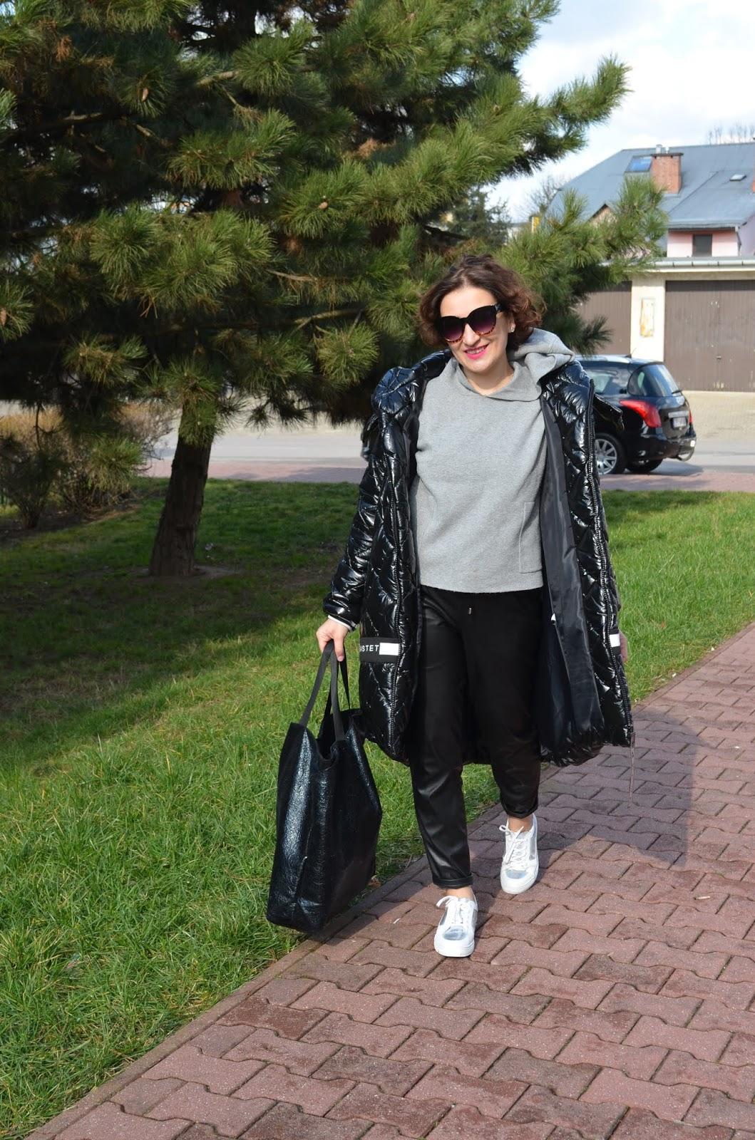 Adriana Style Blog, black vinyl bastet coat, bluza reserved, buty lasocki, codzienna stylizacja, Fashion, kurtka bastet, Michael Kors Watch, moda, Sporty Casual Look, www.adriana-style.com, zegarek michael kors