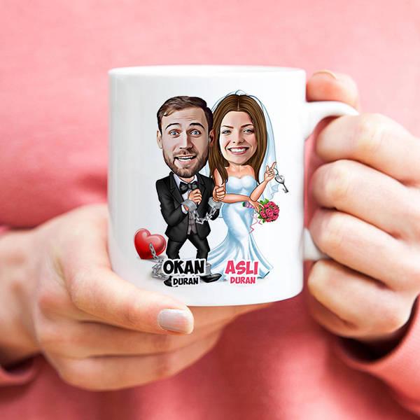 Evlendik Ayvayı Yedik Karikatürlü Kupa Bardak