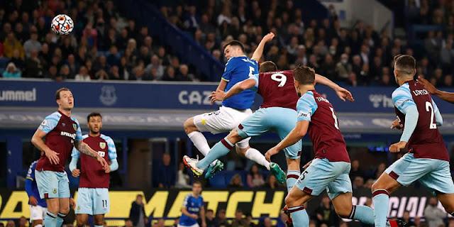 Hanya Butuh 6 Menit Bagi Everton untuk Balik Kalahkan Burnley 3-1