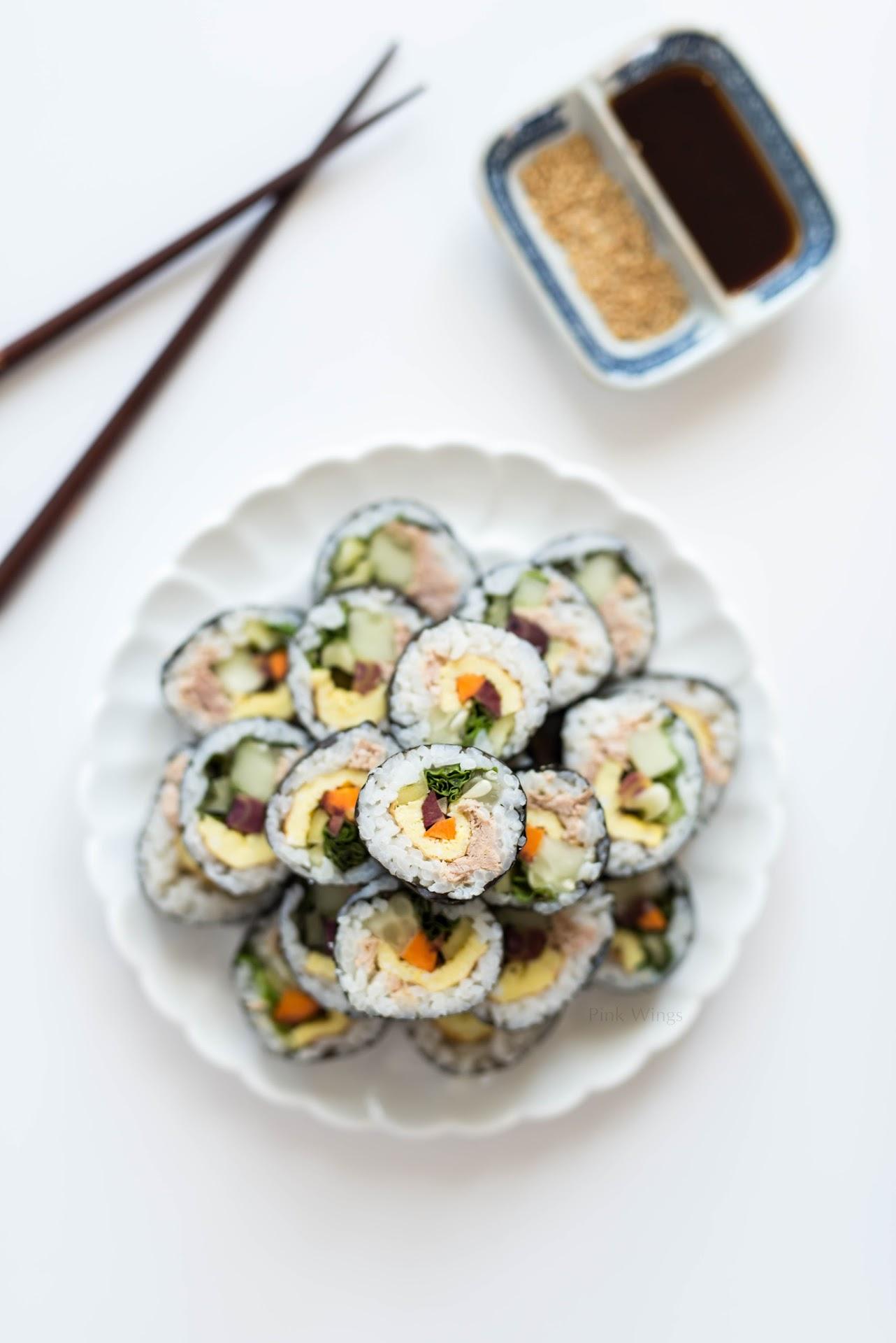 tuna kimbap recipe, korean food blogger, asian, sushi, healthy, veggie wraps, road trip food