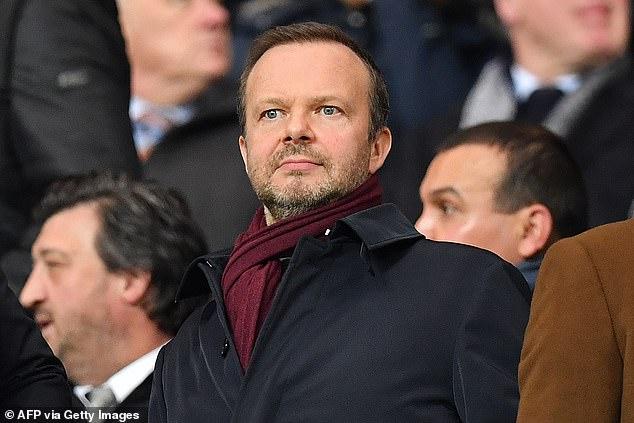 Ed Wooward phản đối Liverpool nhận cúp sớm