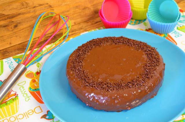 pastel de chocolate con 3 ingredientes, pastel de chocolate que todo el mundo busca, pastel de chocolate viral, pastel de oreo con 3 ingredientes, pastel viral, tarta de chocolate 3 ingredientes, las delicias de Mayte,