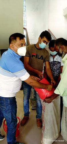ঝিনাইদহ কোটচাঁদপুরে অসহায়,  দুস্ত দের মাঝে ১০ কেজি করে চাল বিতরণ
