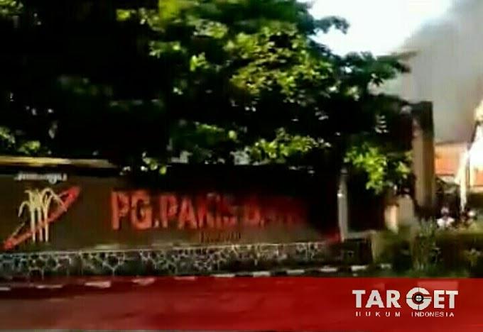 Pabrik Gula PT. PG Pakis Baru Dilalap Dijago Merah