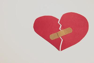 Hati Yang Terluka Karena Putus Cinta