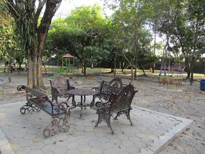 kursi cantik taman balekambang