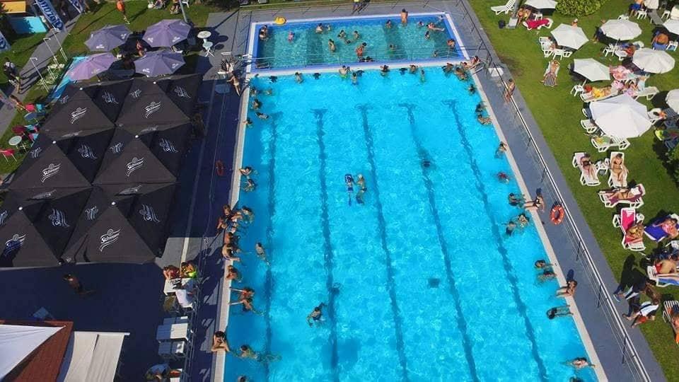 Απο τις 11.30 π.μ. για το κοινό η μικρή πισίνα στις δημοτικές εγκαταστάσεις της Νεάπολης