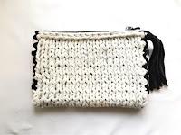 Tシャツヤーン 棒針編みのミニサイズクラッチ
