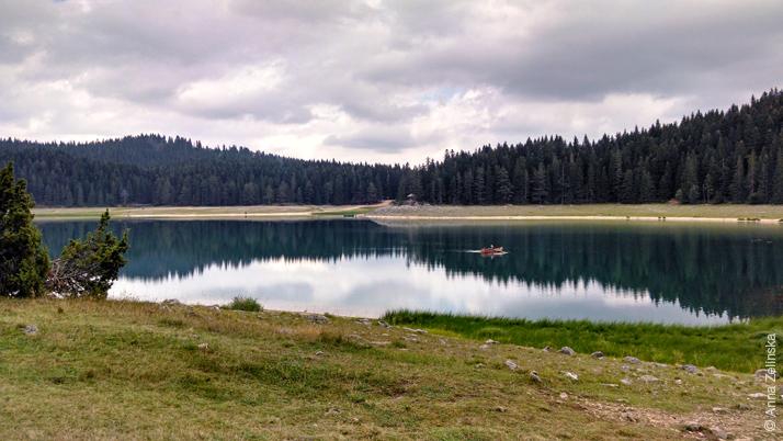 Прогулочные лодки по Черному озеру, Дурмитор