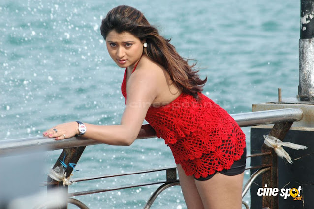 Farah Khan Shows Thighs and Legs Pictures Actress Trend