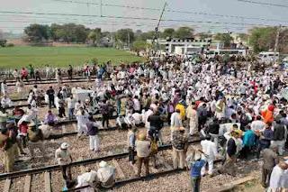 asawati-railway-track-jaam-kisan-andolan