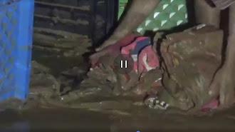 Banjir Bandang Hantam Rumah Warga Pakai Material Lumpur