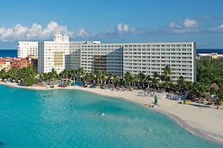 location Dreams Sands Cancun Honeymoon