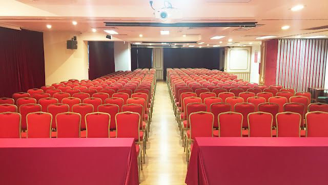 Hội trường trên 200 chỗ ngồi
