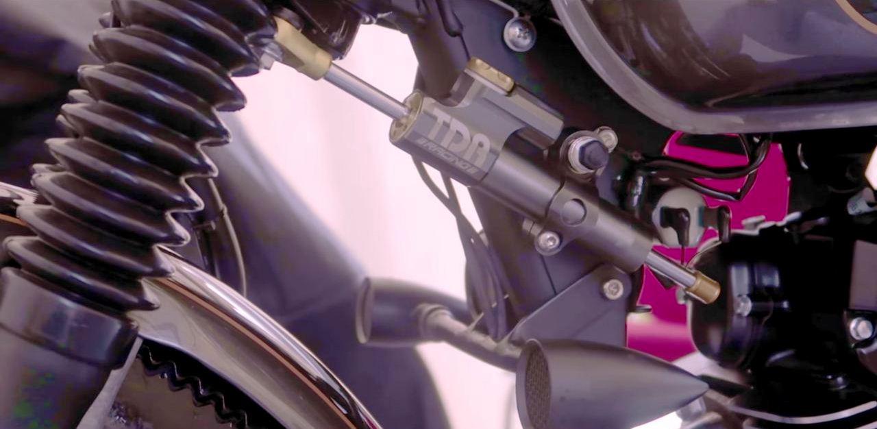 Modifikasi Kawasaki W175 Custom Cafe Racer oleh Katros Garage ini bikin ngiler