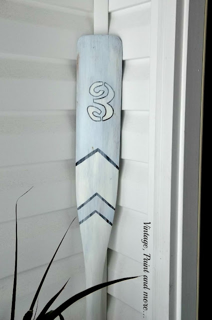 Vintage, Paint and more... painted thrifted oar in a beach inspired decor