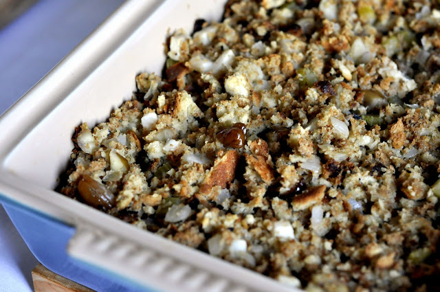 Apple-Chestnut-Stuffing-tasteasyougo.com