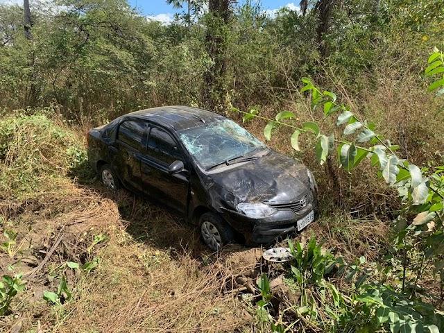 Goleiro do Guarany de Sobral capota carro em estrada do Ceará e tem ferimentos leves