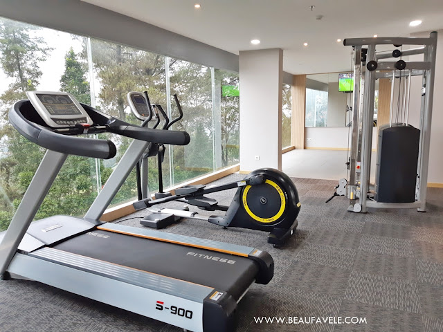 Alat Olahraga di Fitness Center