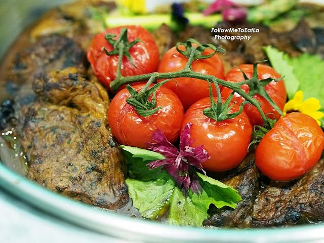 Western Cuisine Mini Beef Steak With Mushroom Ragout