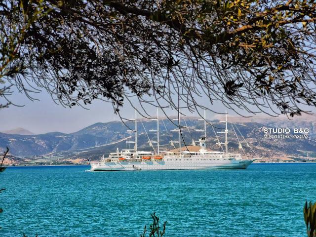 Πρωτομηνιά στο Ναύπλιο με το μεγαλύτερο ιστιοφόρο κρουαζιερόπλοιο στον κόσμο