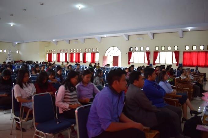 Bupati Tana Toraja Membawakan Kuliah Umum Di STAKN Toraja