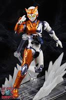 S.H. Figuarts Kamen Rider Valkyrie Rushing Cheetah 20