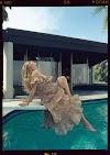 Chiêm ngưỡng bộ ảnh khoe bụng bầu của diễn viên Emma Roberts  trên tạp chí Cosmopolitan