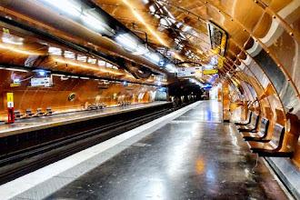 Paris : Station Arts et Métiers, un sous-marin cuivré sur la ligne 11 du métro - IIIème