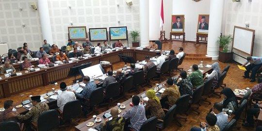 Wapres Ma'ruf Amin Pimpin Rapat Perdana, Ini Topik Dibahas