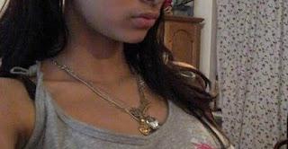 Bangla choti ঢোকাতে গিয়ে পিছলে বের হয়ে গেল First Sex
