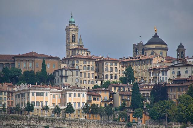 wizytówka Bergamo-włoskie miasteczko