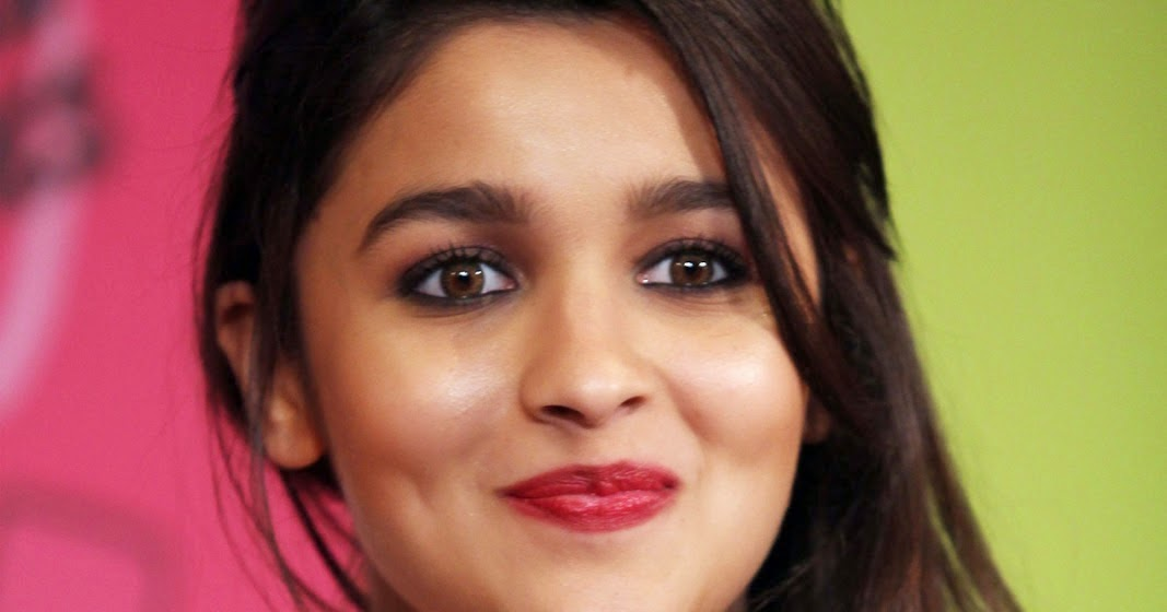 Alia Bhat Latest Wallpaper: Beautiful HD Images: Alia Bhatt Latest Wallpapers