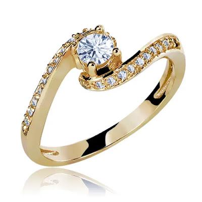 anel de noivado casual