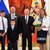"""Ο Β.Πούτιν: «Όσο θα είμαι πρόεδρος δεν θα υπάρξει """"Γονέας 1"""" και """"Γονέας 2"""" στην χώρα μας - Μόνο μητέρα και πατέρας»"""